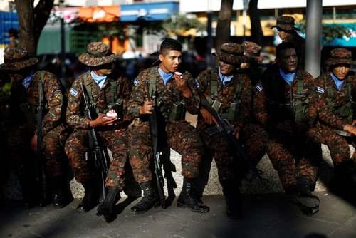 استقرار 1400 نیروی ارتشی اضافه برای مقابله با باندهای تبهکار در شهر