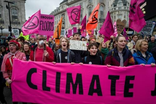 تظاهرات فعالان محیط زیستی موسوم به