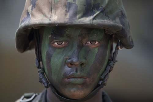 یک سرباز تایلندی در رزمایش مشترک آمریکا و تایلند در