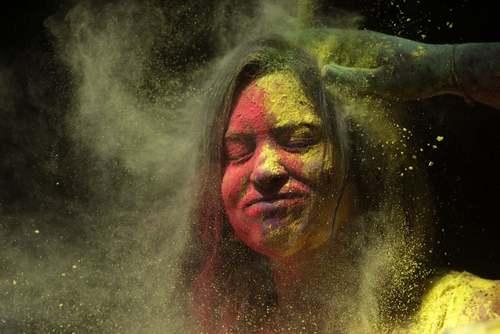 جشنواره پودر رنگی (جشنواره بهاری هندوها) در شهر بمبئی هندوستان/ آسوشیتدپرس