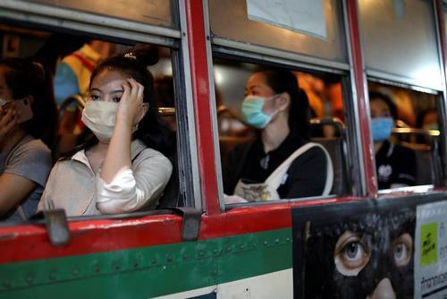 اتوبوس حمل و نقل عمومی در شهر بانکوک تایلند/ رویترز