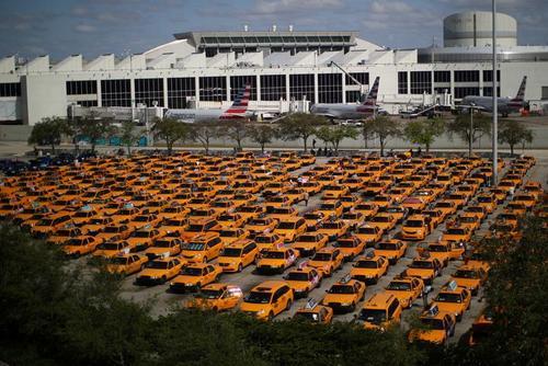 تاکسیهای فرودگاه شهر