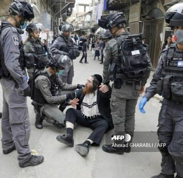 resized 1084953 123 درگیری با یهودیان افراطی اسرائیل بر سر مقررات کرونا (+عکس)
