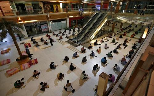 کارگران  مهاجر بیخانمان در شهر