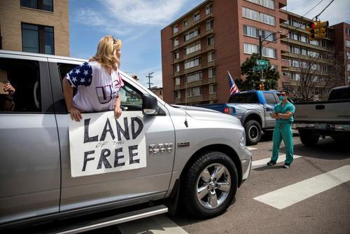 تظاهرات حامیان ترامپ در مخالفت با قرنطینه در شهر