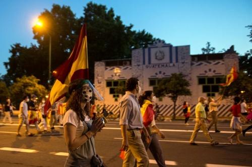 تظاهرات علیه سیاستهای دولت اسپانیا در قبال بحران کرونا در شهر