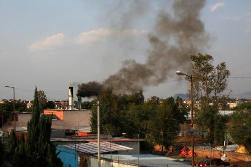 دود ناشی از فعالیت کوره جسدسوزی فوتی های کرونا در مکزیکوسیتی