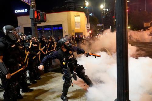 تظاهرات سراسری علیه پلیس در شهر