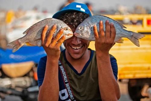 شادمانی ار صید ماهی در بندر فاو عراق/ گتی ایمجز