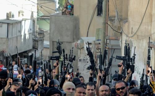 تظاهرات افراد مسلح جنبش