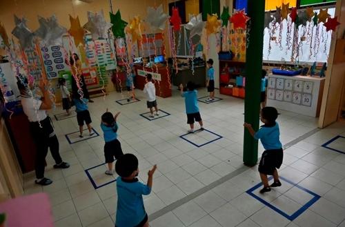 بازگشایی مهدهای کودک در تایلند با رعایت اصل فاصله گذاری/ بانکوک/ خبرگزاری فرانسه