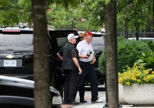 بازگشت ترامپ به کاخ سفید پس از سفر آخر هفته به مجموعه گُلفش در ویرجینیا/ خبرگزاری فرانسه