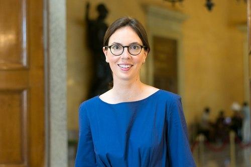 املی دو مونچالن - Amelie De Montchalin وزیر تحول و خدمات عمومی