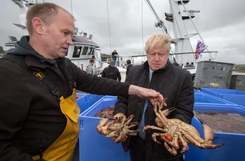 بازدید نخست وزیر بریتانیا از وضعیت کسب و کار صیادان اسکاتلندی/ گتی ایمجز