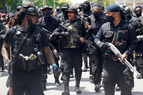 تظاهرات مسلحانه جنبش ضدنژادپرستی در شهر