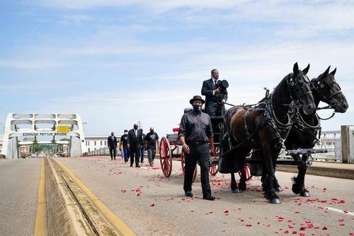 مراسم تشییع جنازه