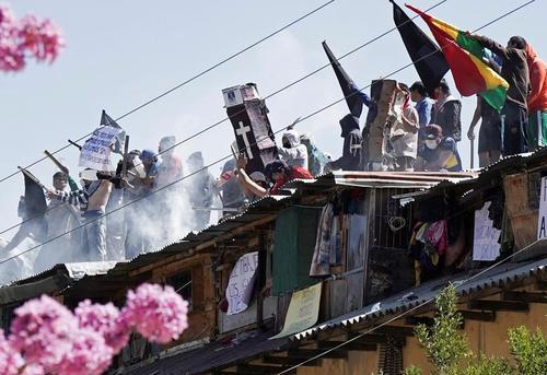 شورش زندانیها در زندانی در بولیوی/ رویترز