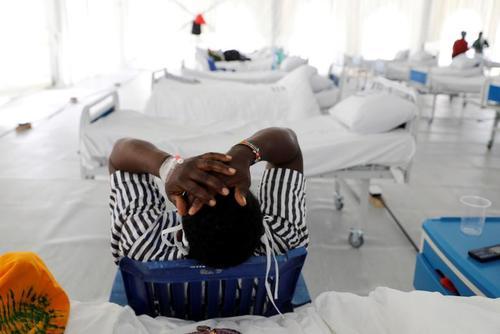 تبدیل یک استادیوم فوتبال در کنیا به بیمارستان و نقاهتگاه محل بستری بیماران کووید19 – رویترز