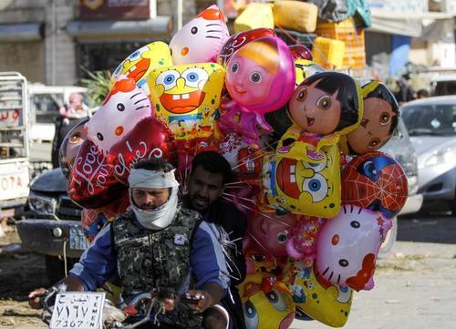 حال و هوای عید قربان در بازار شهر صنعا یمن/ رویترز
