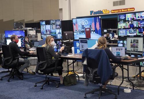 اتاق کنترل (پشتیبانی فنی) کنوانسیون ملی مجازی حزب دموکرات آمریکا برای انتخابات ریاست جمهوری 2020 آمریکا/ ایالت ویسکانسین/ رویترز