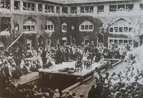 تعزیهخوانی در کاروانسرای ارامنه، واقع در بازار پارچهفروشها