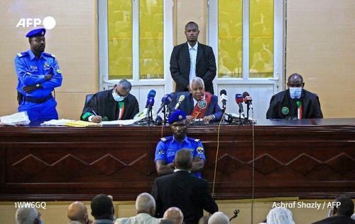 نمایی از دادگاه عمرالبشیر و برخی از مقامات حکومت سابق سودان در خارطوم/ عکس: خبرگزاری فرانسه