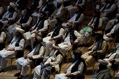 مذاکرات صلح طالبان و دولت افغانستان در دوحه قطر/ الجزیره