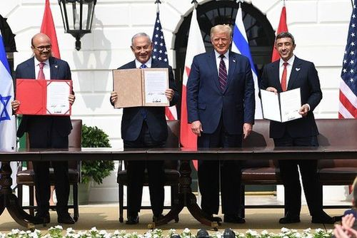 مراسم امضای توافق صلح میان اسرائیل و دو کشور امارات و بحرین در کاخ سفید . واشنگتن