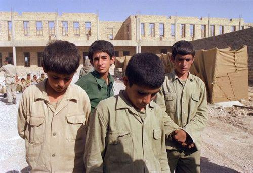 20 ژوئن 1988 -اسرای نوجوان ایرانی در مرز ایران و عراق