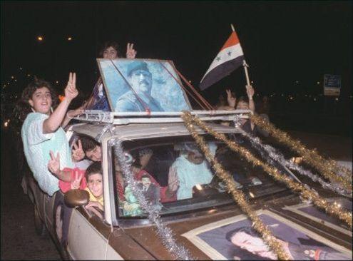 20 آگوست 1980 - شادمانی از پایان جنگ 8 ساله در شهر بغداد پس از آتش بس