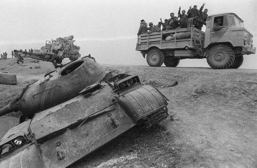 18 مارس 1985 - نیروهای عراقی در منطقه هویزه در شمال بصره