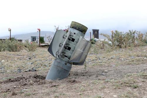 بقایای راکتهای مورد استفاده در جنگ قرهباغ/ رویترز و زوما
