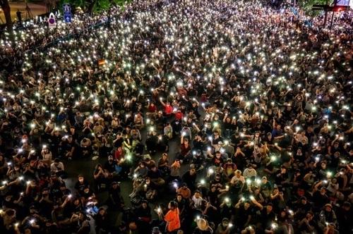 ادامه تظاهرات دموکراسی خواهان تایلند در مرکز شهر بانکوک/ EPA