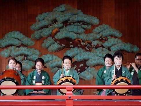 مراسم آیینی در معبد