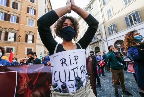 اعتراض کارکنان بخش سرگرمی به تعطیلیها و محدودیتهای کرونایی/ شهر روم ایتالیا/ EPA