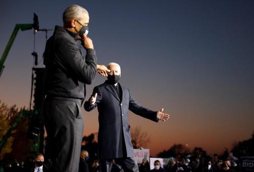 حضور مشترک جو بایدن و باراک اوباما زوج سیاسی دموکرات آمریکا در جمع حامیان حزب دموکرات در شهر دیترویت مرکز ایالت میشیگان آمریکا/ رویترز و گتی ایمجز