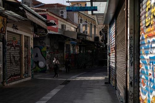 تعطیلی مغازهها و مراکز تجاری شهر آتن یونان در راستای قرنطینه سراسری به خاطر مقابله با ویروس کرونا/ رویترز
