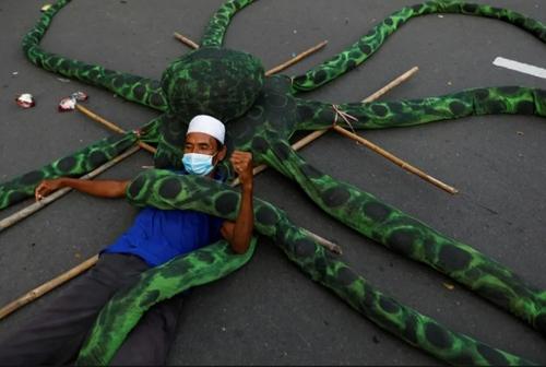 اعتراضات کارگران اندونزیایی به اصلاح قانون کار از سوی دولت/ جاکارتا/ رویترز