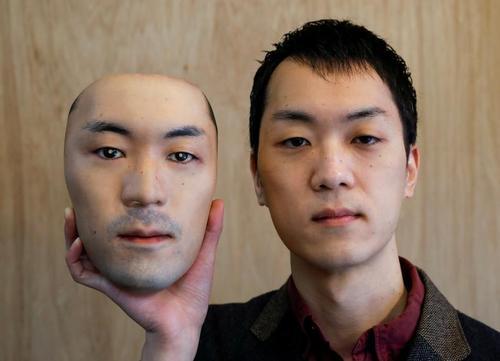 ساخت ماسکهای صورت واقعی با فناوری سهبعدی در کارگاهی در شهر توکیو ژاپن/ رویترز