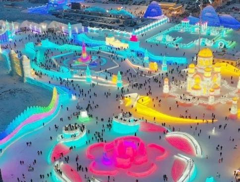 نمایشگاه بینالمللی سازههای برفی و یخی در هاربین چین/ گاردین