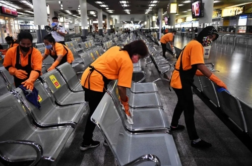 ضدعفونی کردن فرودگاه بینالمللی شهر بانکوک تایلند/ خبرگزاری فرانسه