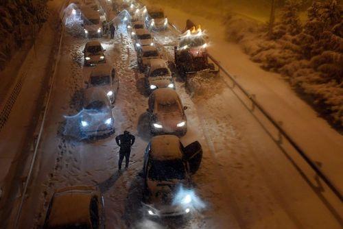 بسته شدن اتوبانها و جادههای اسپانیا بر اثر بارش برف سنگین/ خبرگزاری فرانسه
