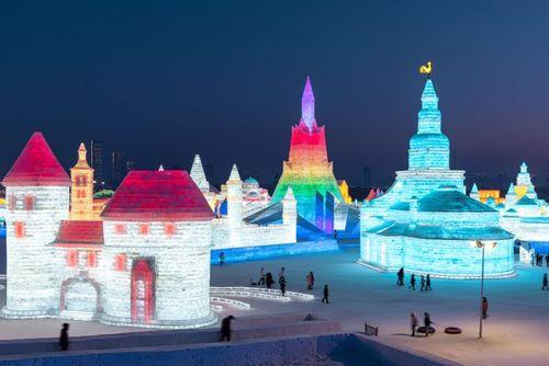 سی و ششمین جشنواره بینالمللی سازههای برفی و یخی در هاربین چین/ خبرگزاری فرانسه