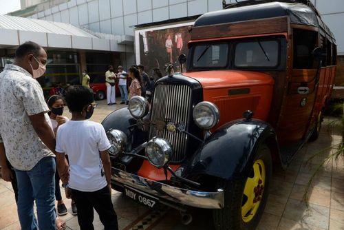 نمایشگاه خودروهای قدیمی در