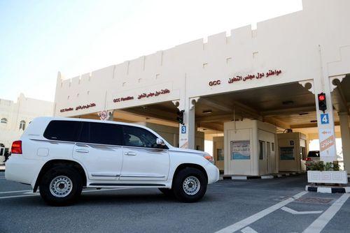 عبور خودروها از گذرگاه مرزی