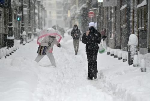توفان برفی در اسپانیا و ایتالیا/ بارش برف سنگین در شهر مادرید اسپانیا/ خبرگزاری فرانسه و آسوشیتدپرس
