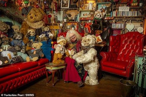 زندگی عجیب یک زن با 12500 عروسک خرسی (+عکس)
