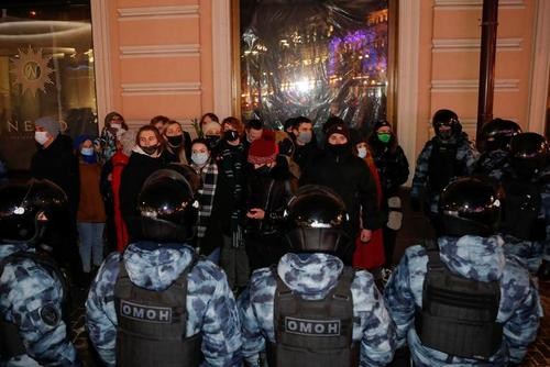 اعتراض حامیان ناوالنی به حکم 3 سال و نیم زندان او از سوی دادگاه/ مسکو/ رویترز