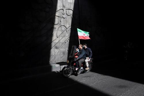 راهپیمایی موتوری به مناسبت چهل و دومین سالروز پیروزی انقلاب اسلامی در تهران/ وانا