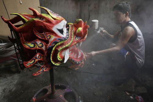 ساخت ماکت های اژدها برای جشنواره سالانه رقص اژدها به مناسبت سال نو چینی در شهر مانیل فیلیپین/ آسوشیتدپرس